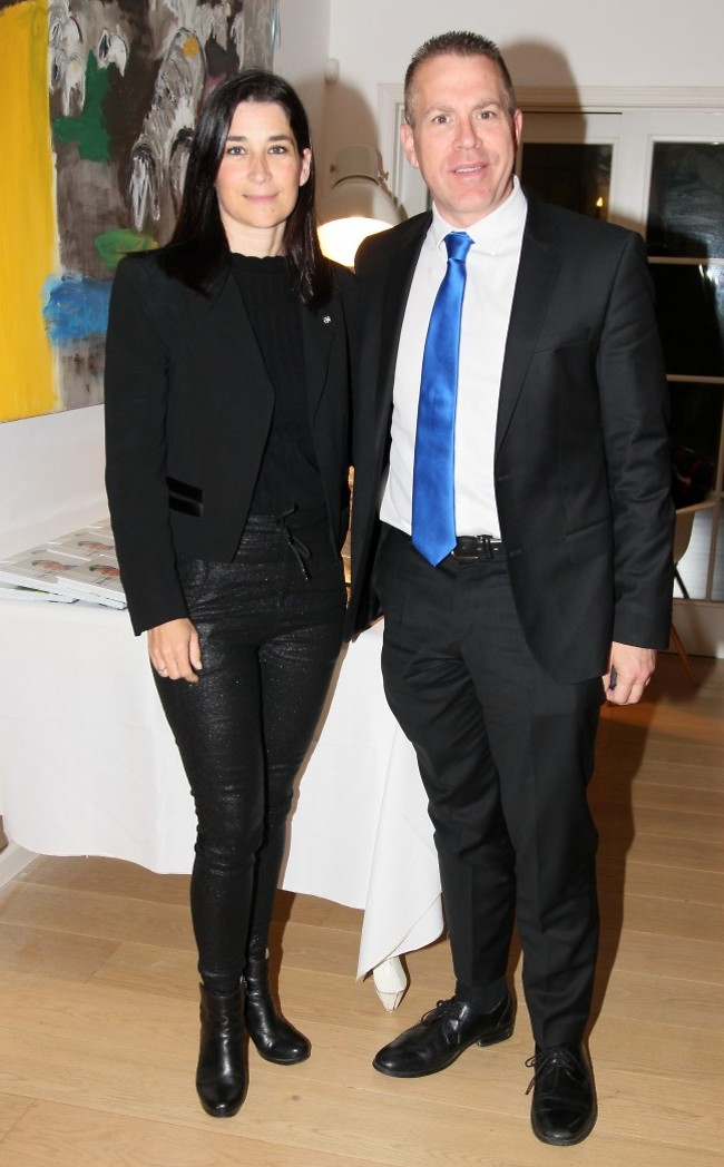 מלקט מנדטים. גלעד ארגן ואשתו (צילום: ראובן שניידר)
