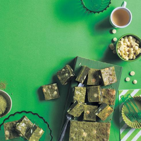 חיתוכיות שוקולד ומאצ'ה (צילום: בועז לביא, סגנון: נעה קנריק)