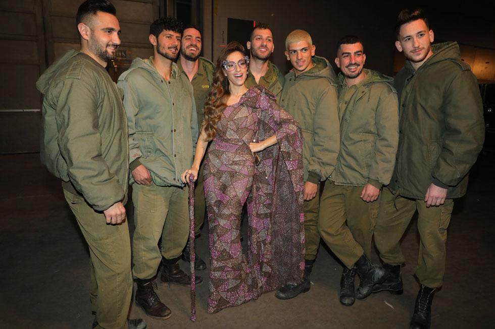 כשהאופנה הצבאית פגשה את שפיטה (צילום: דנה קופל)