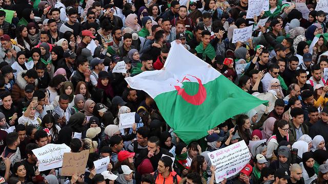 Protest in Algeria against president