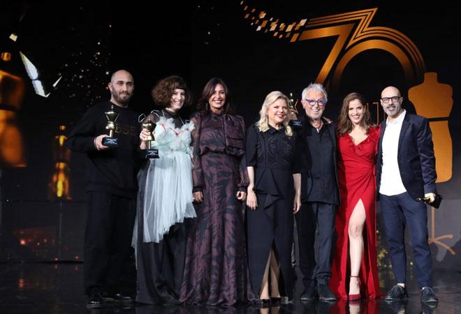 אוברזון מקבל פרס מפעל חיים באירוע המחווה ל-70 שנות אופנה ישראלית (צילום: סיון פרג')