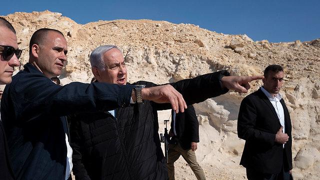 ראש הממשלה בנימין נתניהו בסיור עם הרמטכ
