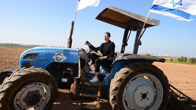 חברי מפלגת העבודה בסיור בעוטף עזה  (צילום: הרצל יוסף)