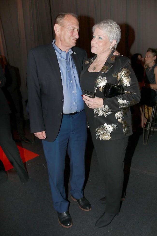 במעמד ראש העיר רון חולדאי ואשתו יעל (צילום: ענת מוסברג)
