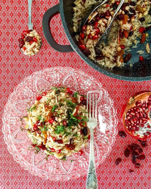 אורז בסמטי עם צימוקים ושקדים (צילום וסגנון: אסתר דורון צרפתי)