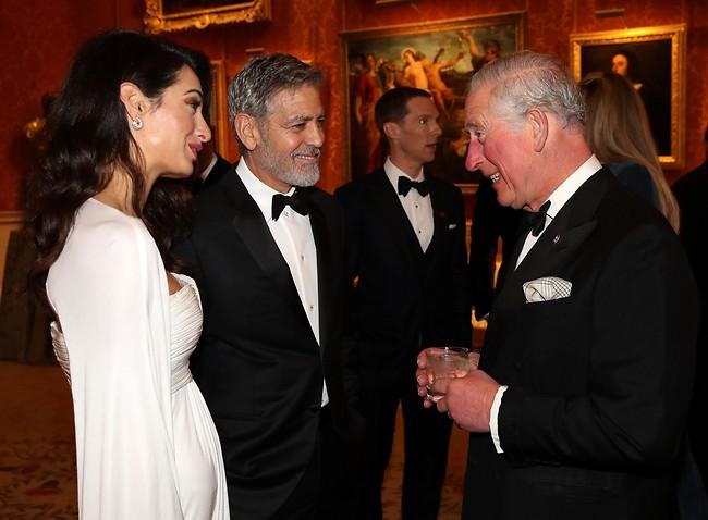 """""""לספר לכם מה בתפריט?"""". הנסיך צ'ארלס והקלונ'יס (צילום: Gettyimages)"""