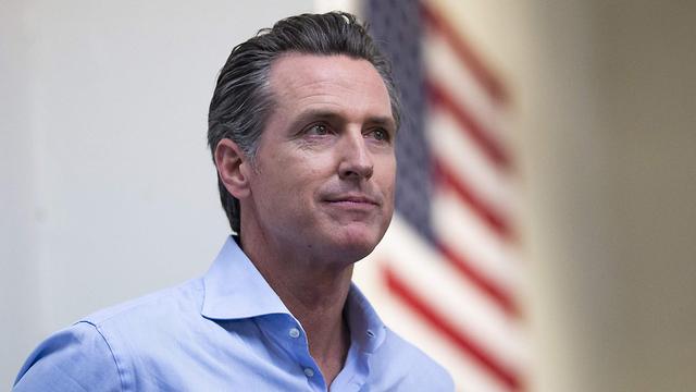 מושל קליפורניה גווין ניוסם (צילום: AFP)