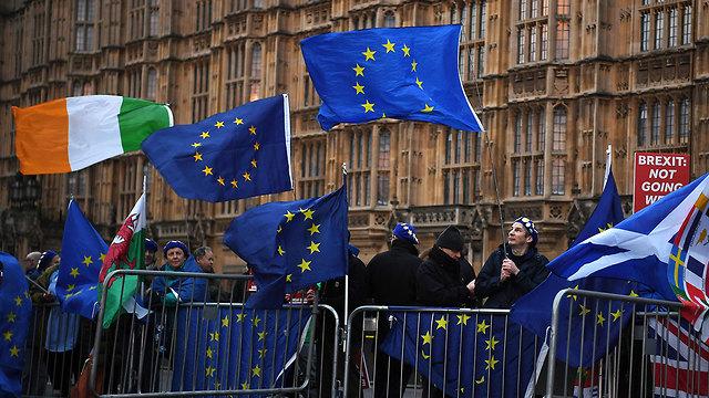 הפגנות לקראת הצבעה על הברקזיט בלונדון (צילום: AP)