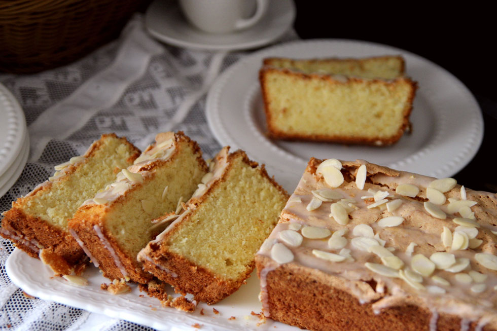 עוגת לימונים ושקדים פרווה (צילום: דפנה אוסטר מיכאל)