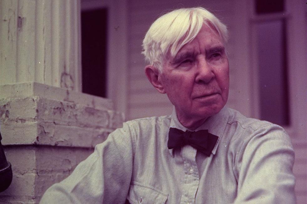 קרל סנדברג. עבד כשוער, חילק חלב, היה פועל בניין - ואחר כך זכה בשלושה פרסי פוליצר (צילום: AP)