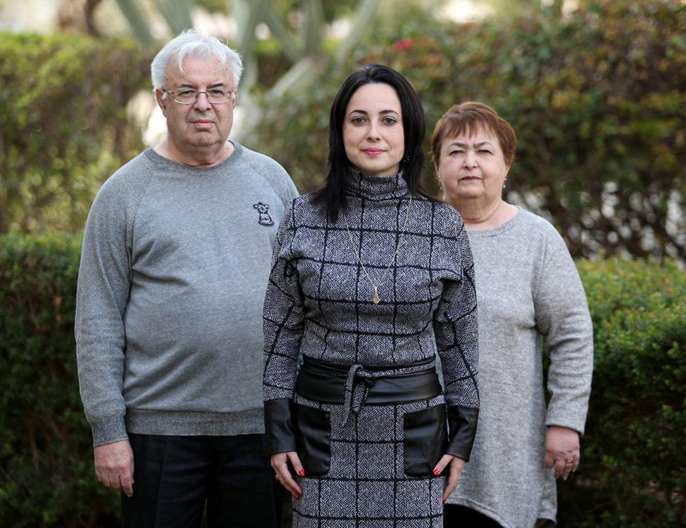 Элина Бардач-Ялова и ее родители. Фото: Ави Муалем