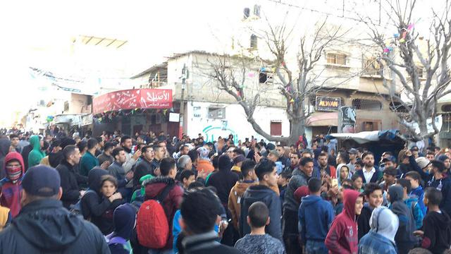 תושבי עזה במחאה נגד ארגון חמאס ()