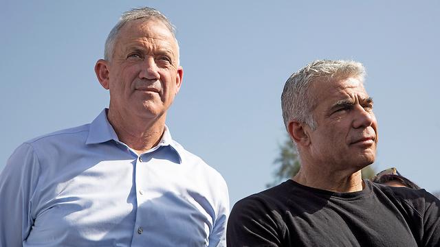 Ганц и Лапид. Фото: EPA