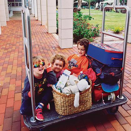 שבועיים בדרכים עם שלושה ילדים