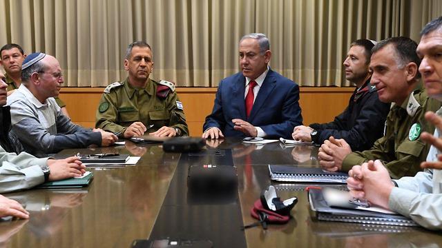 Нетаниягу и генералы ЦАХАЛа обсуждают ситуацию. 14.03.19. Фото: Ариэль Хермони, министерство обороны (Photo: Defense Ministry)