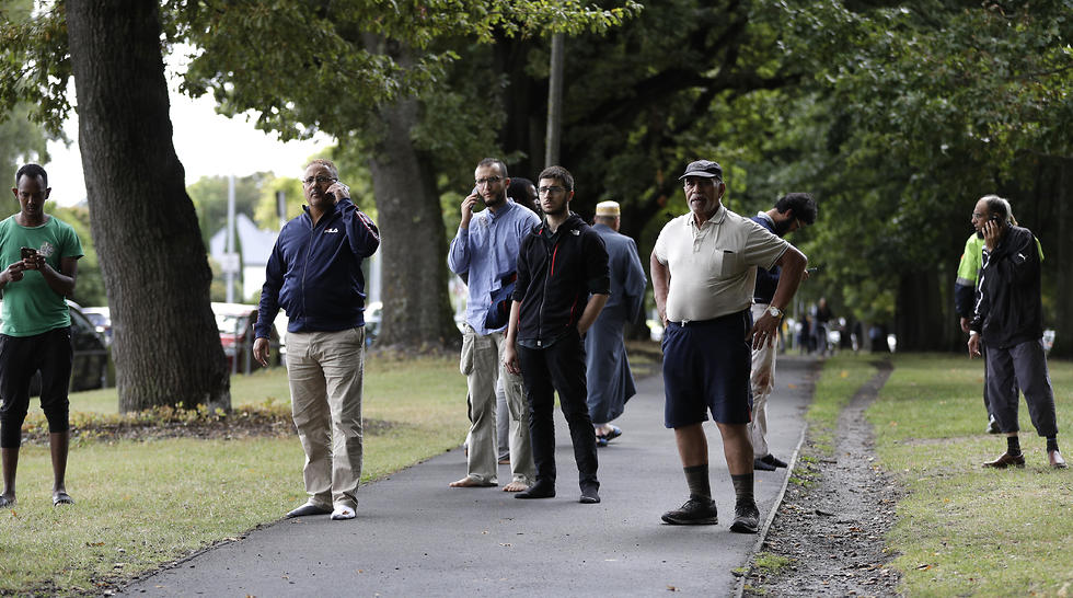 ירי במסגד בניו זילנד  (צילום: AP)