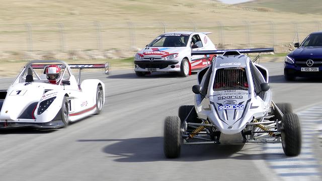 מכוניות מירוץ מסלול פצאל (צילום: ניר בן זקן)