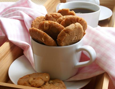 עוגיות חמאת בוטנים ללא קמח מ-3 מרכיבים (צילום: ילנה ויינברג)