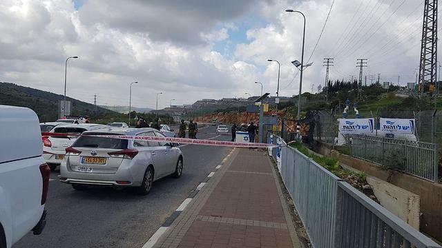 זירת הפיגוע (צילום: אלישע בן קימון)