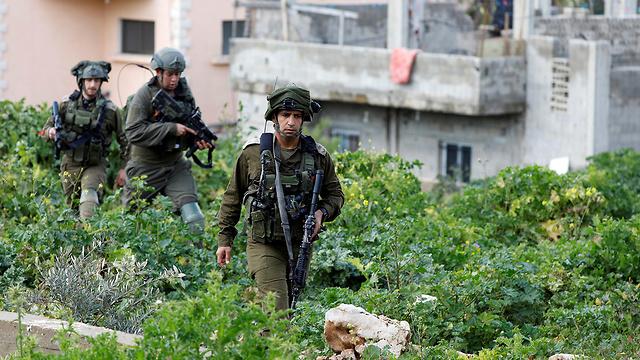 IDF troops in Nablus (Photo: Reuters)