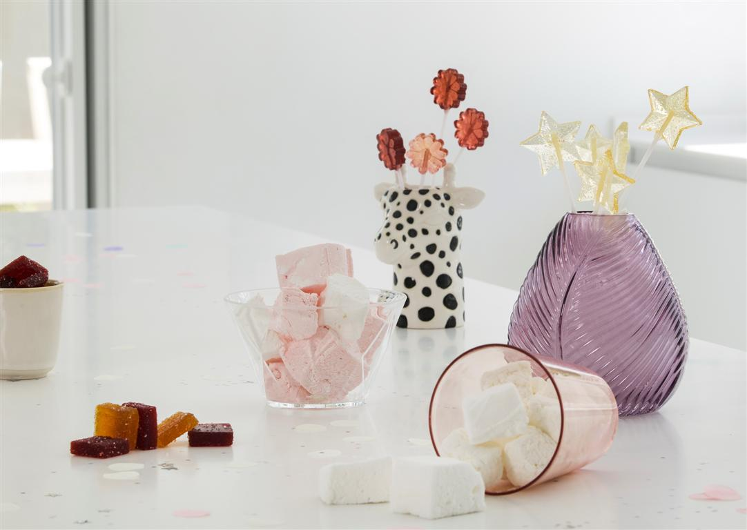 ממתקים לפורים (צילום: אלון מסיקה)