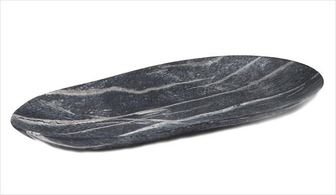 מגש קרמיקה במראה שיש שחור עם גידים לבנים (IDdesign)