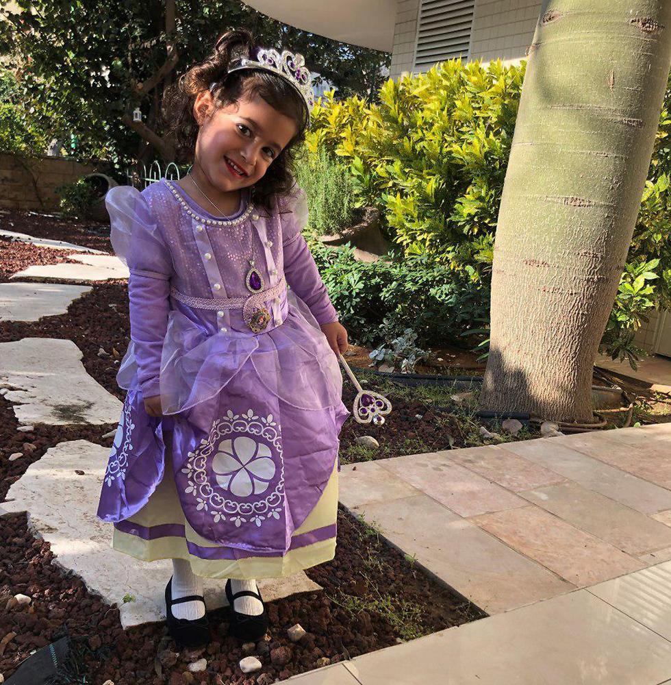 עומר ירושלמי שהתחשפה לנסיכה סופיה (צילום: מיכל ירושלמי)
