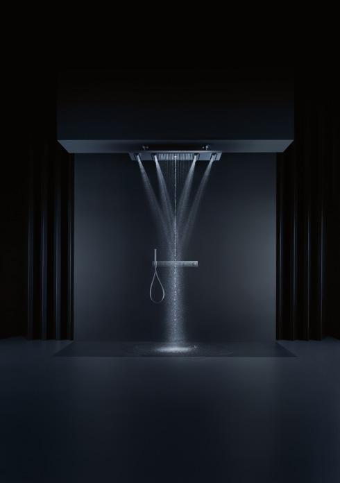 ראש מקלחת שיוצר פסל מים. פיליפ סטארק (צילום: PRESS AXOR)