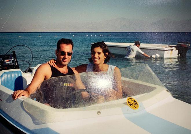 """עם בעלה, שלומי, בתקופת החברות. """"האמין בי לפני שאני האמנתי בעצמי"""" (צילום: אלבום פרטי)"""