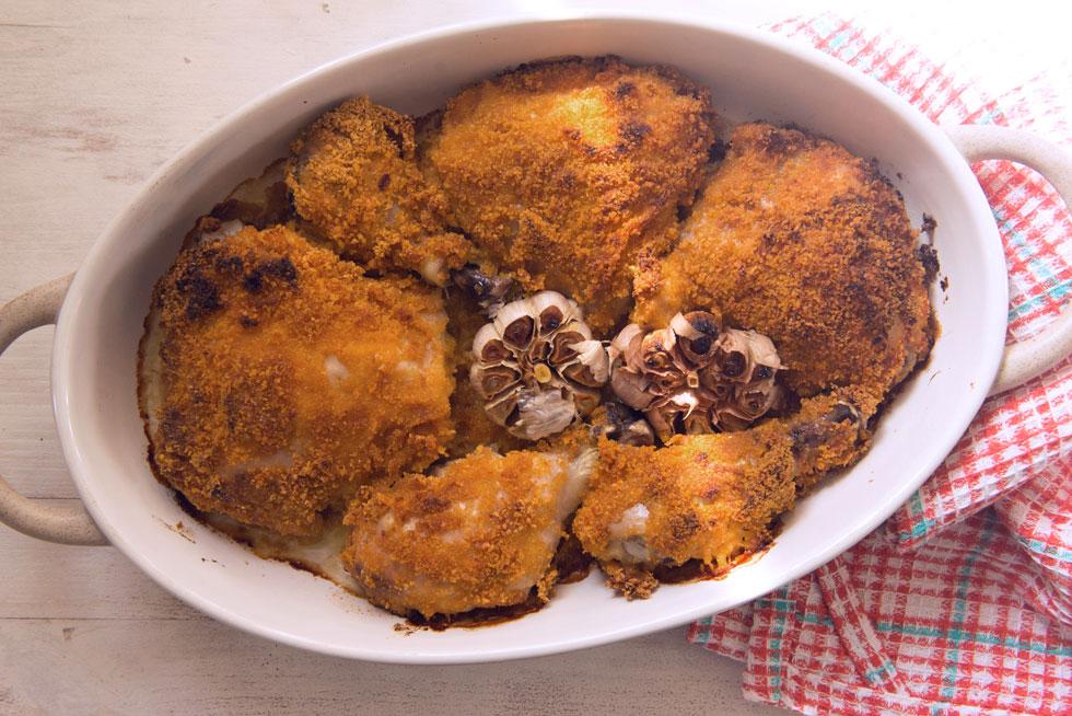כרעי עוף בתנור בחרדל ופירורי לחם (צילום: אפרת מוסקוביץ)