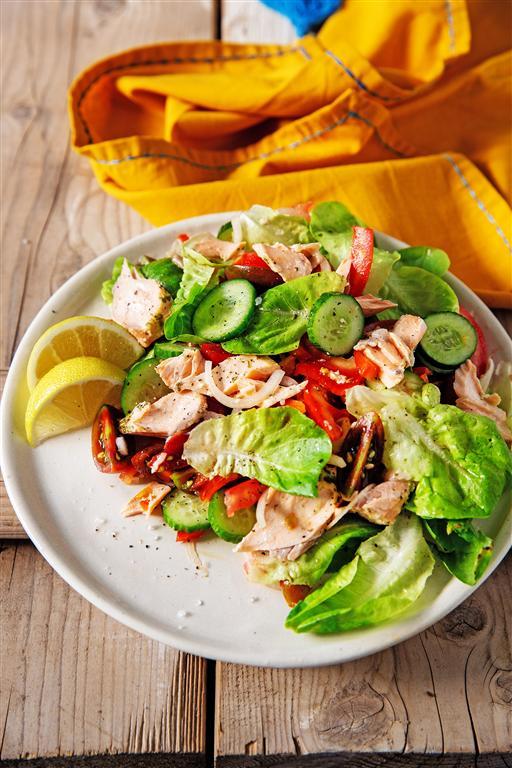Холодный салат из лосося. Фото: Таль Сиван-Ципорен