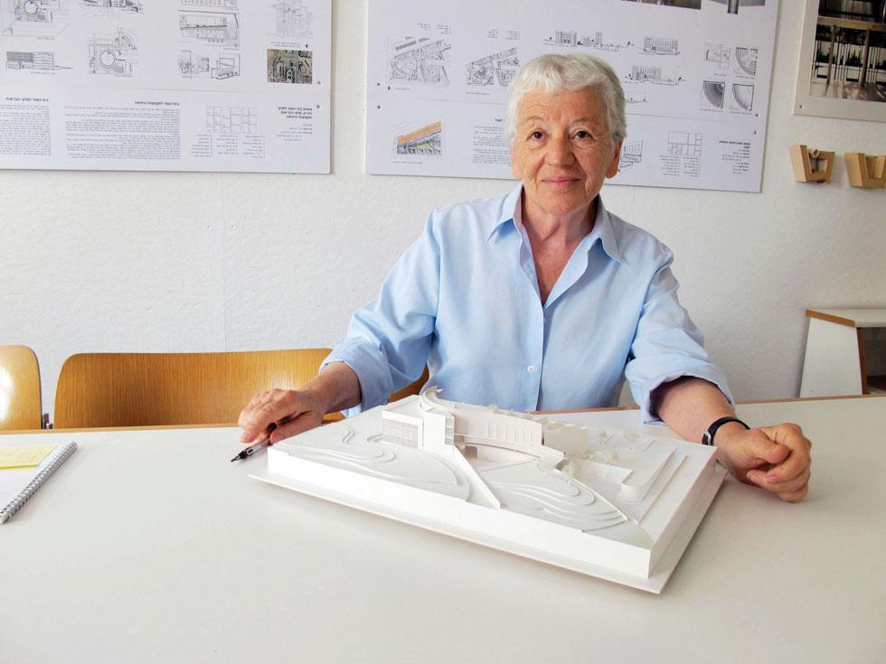 עדה כרמי-מלמד. מסרבת לגשת לתחרויות כמו זו של ביה''ס לאדריכלות בתל אביב (צילום: מיכאל יעקובסון)
