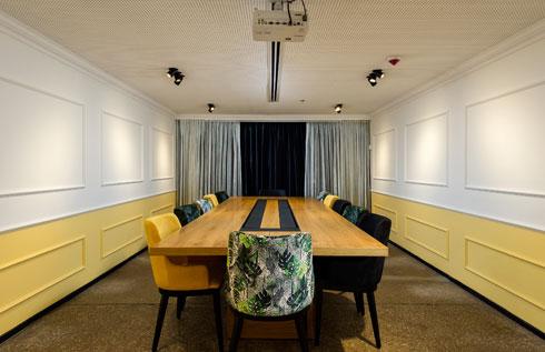 חדר הישיבות הגדול (צילום: מושי גיטליס)