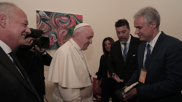 The Pope with ORT Director Avi Ganon