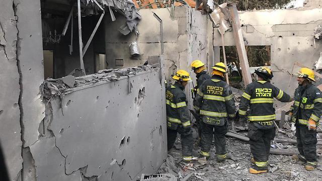 Разрушенный ракетой дом. Фото: Коби Тамам, Служба пожарной охраны (Photo: Kobi Tamam)