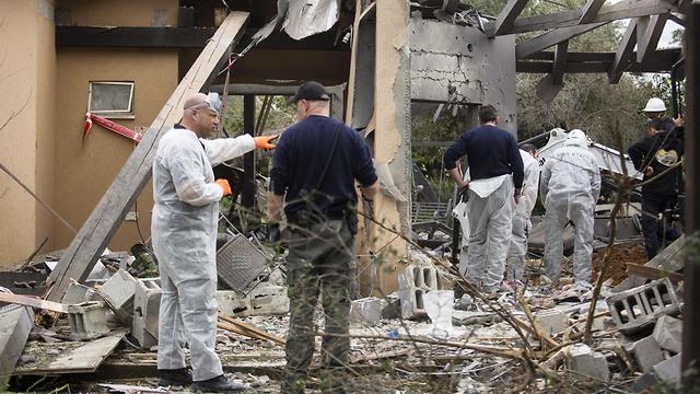 מקום הפגיעה של הטיל ששוגר מעזה לאזור השרון (צילום: gettyimages)