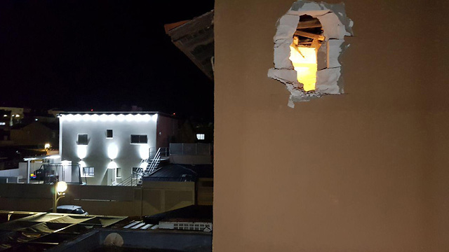 House in Sderot sustained a direct hit (Photo: Roee Idan)