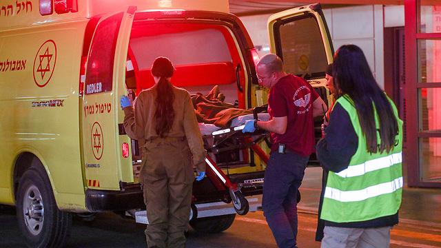 פינוי הילד שנפצע מפיגוע הירי בבית אל לטיפול רפואי בבי