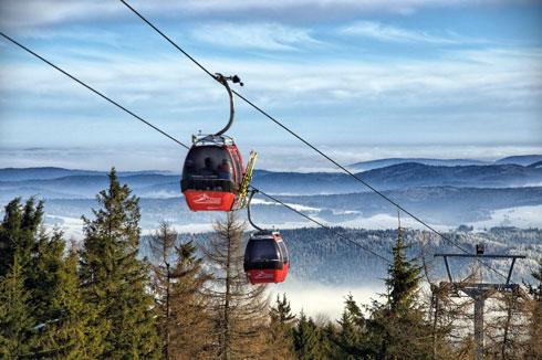 רכבל ושבעה מסלולים. אתר הסקי קריניצה־זדרוי (צילום: A. Marciniak)