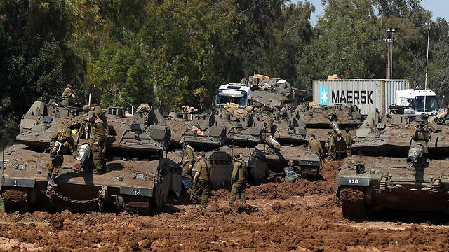 IDF armor near Gaza