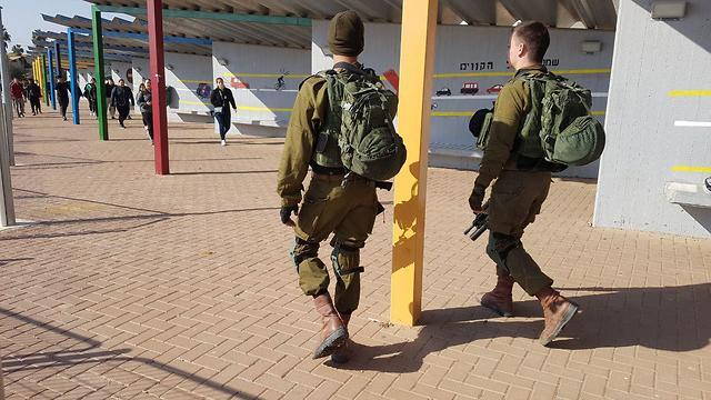 IDF troops protect schools in Gaza border communities (Photo: Barel Efraim)