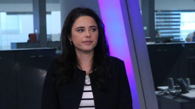 ריאיון איילת שקד אולפן ynet (צילום: מוטי קמחי)