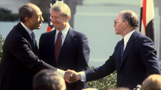 Anwar Sadat, Jimmy Carter and Menachem Begin at the White House for the 1979 Israel-Egypt peace deal (Photo: Getty Images)