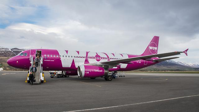 מטוס חברת WOW (צילום: shutterstock)