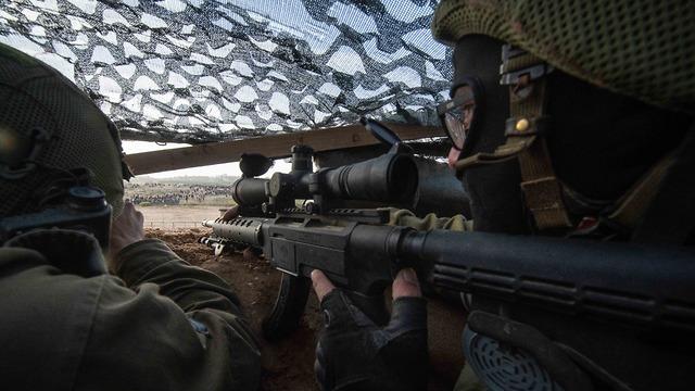 פעילות כוחות צה״ל על הגדר (צילום: דובר צה