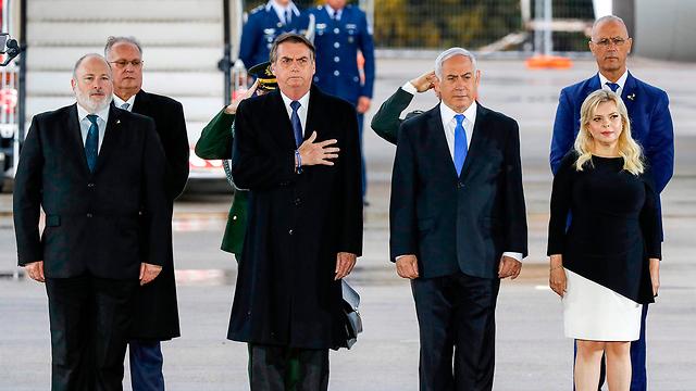 Bolsonaro and Netanyahu at Ben-Gurion Airport (Photo: AFP)