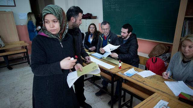 טורקיה בחירות רשויות מקומיות רג'פ טאיפ ארדואן (צילום: EPA)