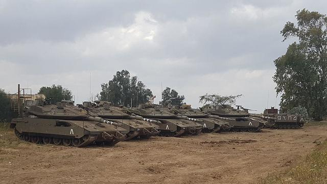 IDF troops along the Gaza border  (Photo: Barel Efraim)
