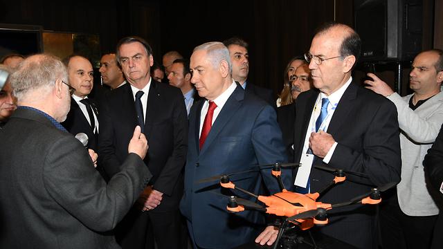 בנימין נתניהו ונשיא ברזיל ז'איר בולסונרו (צילום: עמוס בן גרשום, לע