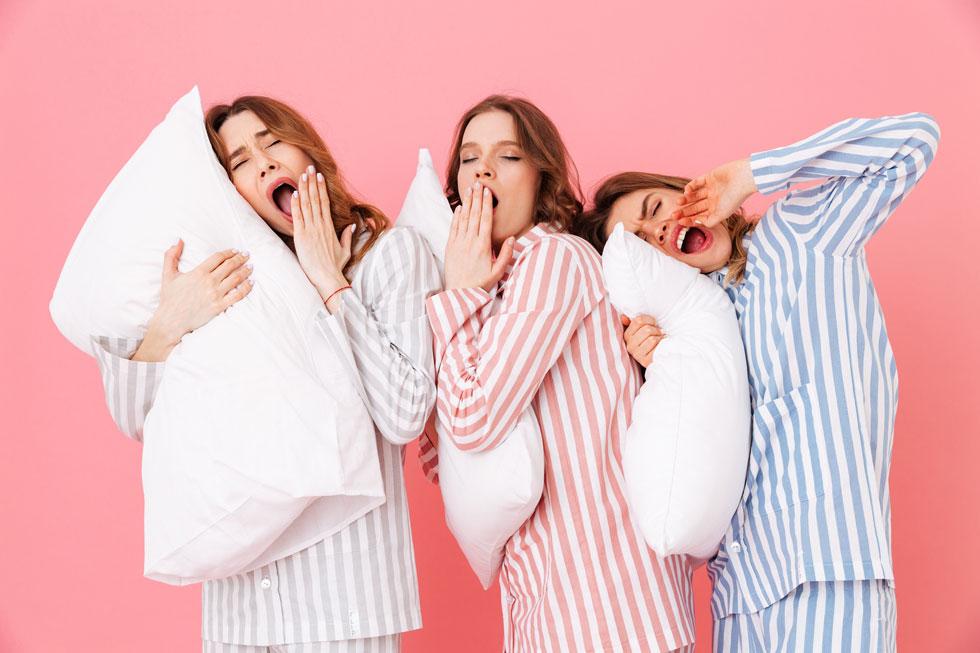 """""""נשים, ולעתים גם חלק מהרופאים, לא יודעים שחלק גדול מהפרעות השינה של נשים קשורות באופן הדוק לשינויים הורמונליים או למצבי חיים הייחודיים להן כנשים"""" (צילום: Shutterstock)"""